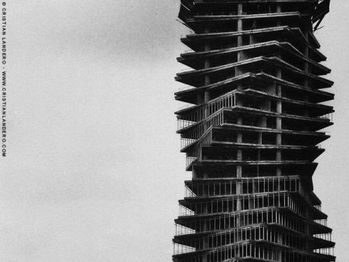 Arquitectural Skeleton (F and F Tower)